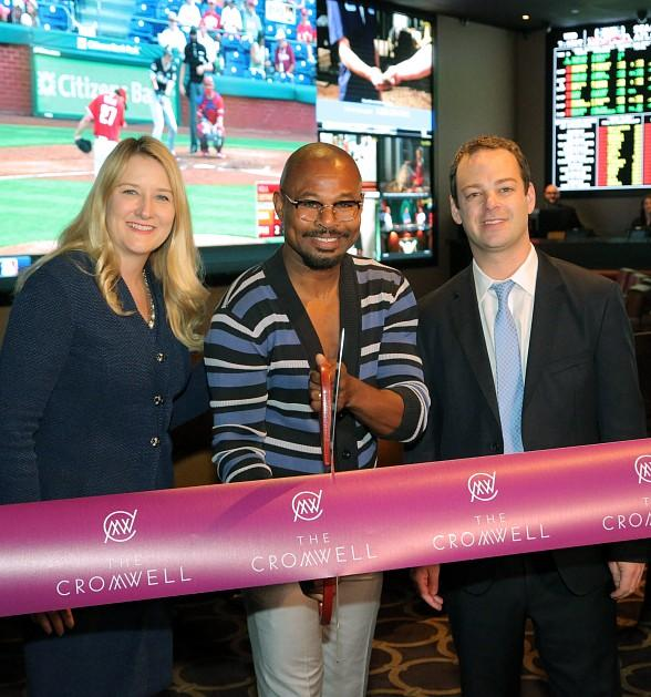"Boxing Champion ""Sugar"" Shane Mosley Celebrates The Cromwell's All-New Sportsbook"