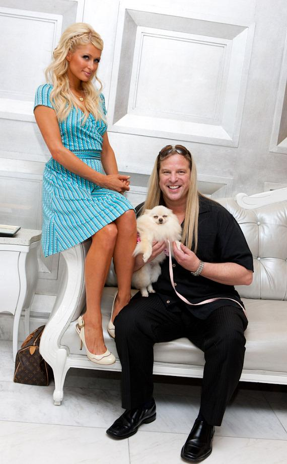 "Paris Hilton and Michael Boychuck with Paris Hilton's dog ""Marilyn Monroe"""