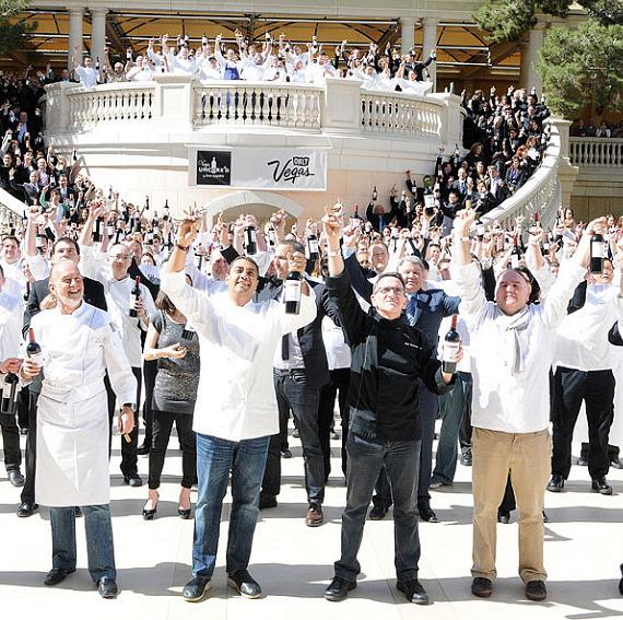 Vegas Uncork'd breaks the Guinness World Record by uncorking 300 bottles of wine simultaneously