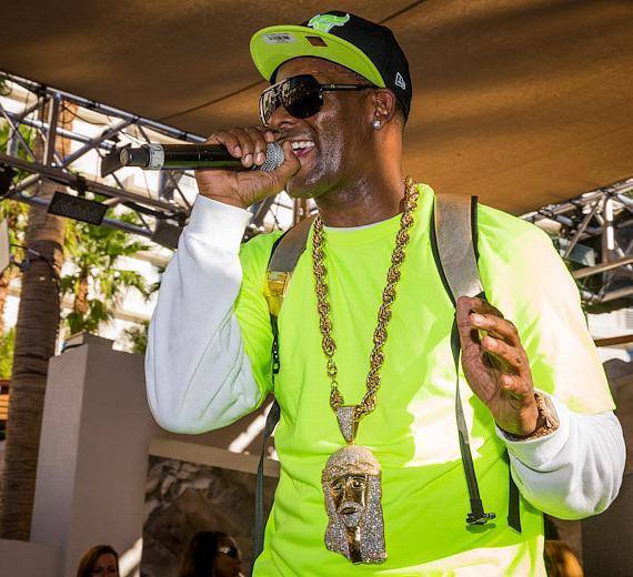 R. Kelly performs at REHAB Pool Party at Hard Rock Hotel & Casino in Las Vegas