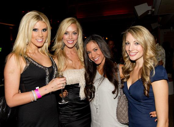 Sara Chapman, Miss NV USA (2nd from left) with friends