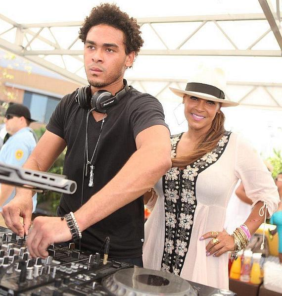 AcE aka Trey Smitch1 Spins while his Mother Sheree Fletcher watches