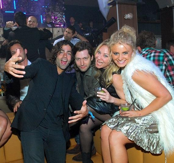 Adrian Grenier parties at Hyde Bellagio, Las Vegas