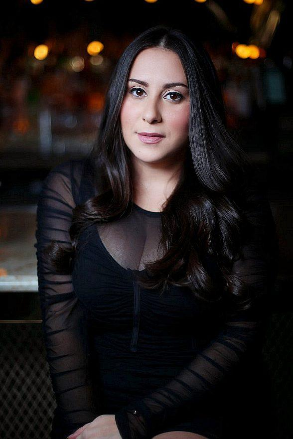 Breakout 'Dirty Jeans' for Claudia Oshry at The Mirage this September