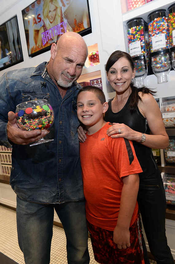 Bill Goldberg with his wife, Wanda Ferraton, and son Gage Goldberg