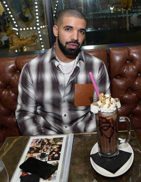 """Drake, Virginia Black Whiskey and Sugar Factory American Brasserie Debuts """"Night Owl"""" Goblet at Fashion Show Mall in Las Vegas"""