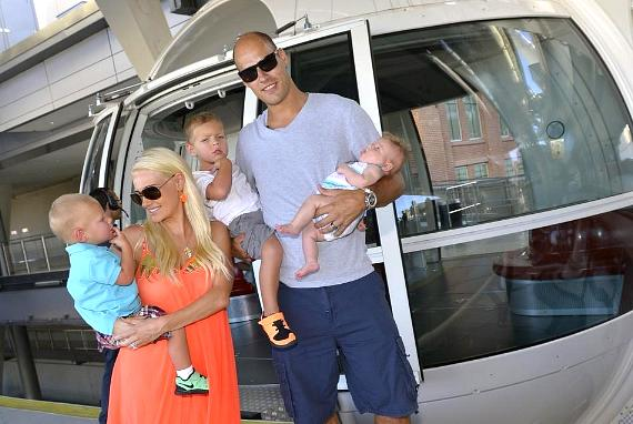 Ryan Getzlaf and his family enter the High Roller at The LINQ