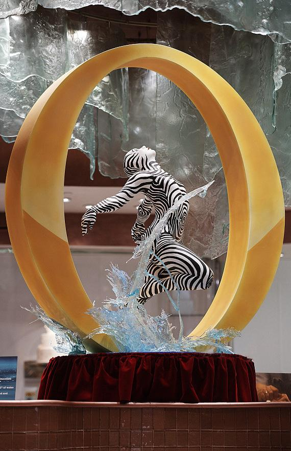"""""""O"""" My! Bellagio Pâtisserie Unveils New Chocolate Sculpture in Celebration of Resort's 20th Anniversary"""