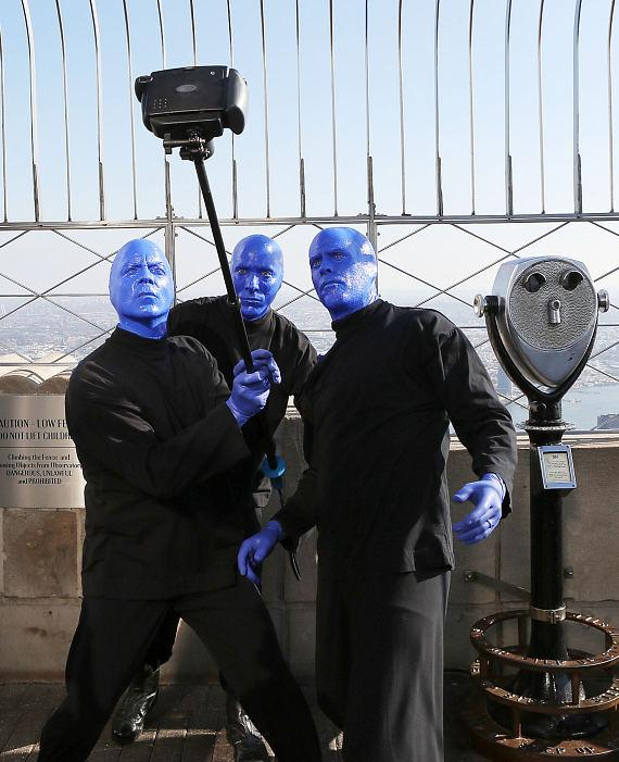 """Officials Declare """"Blue Man Group Day"""" Around the Country"""