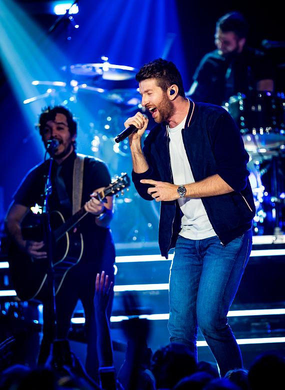 Country Star Brett Eldredge puts on Surprise Performance for CMT Instant Jam at The Cosmopolitan of Las Vegas