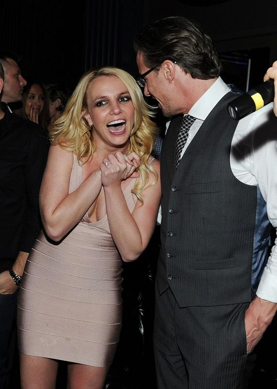 Britney and Jason share a laugh at Chateau Nightclub & Gardens