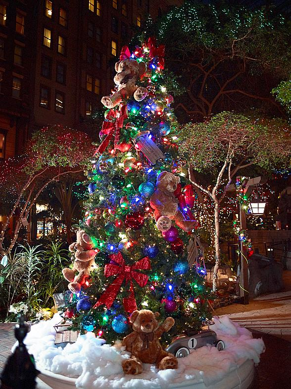 Sam's Town Hotel and Gambling Hall Hosts Annual Holiday Tree Lighting Ceremony at Mystic Falls Park Nov. 21