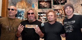 Chickenfoot: Kenny Aronoff, Sammy Hager, Michael Anthony and Joe Satriani