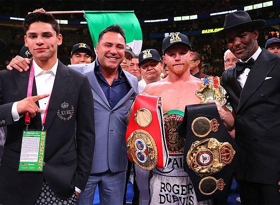 Canelo Alvarez Defeats Daniel 'Miracle Man' Jacobs to Unify Middleweight World Titles at T-Mobile Arena