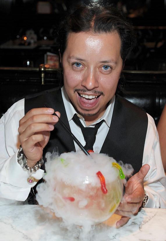 Carlos Ramirez with girlfriend, Burgundi Phoenix, enjoying milkshakes at Sugar Factory American Brasserie