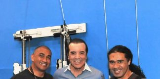 """Chazz Palminteri poses with """"O"""" fire artists after seeing the show at the Bellagio on Wednesday, March 14"""