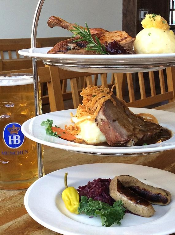 Feast Deliciously at Hofbräuhaus Las Vegas this Christmas