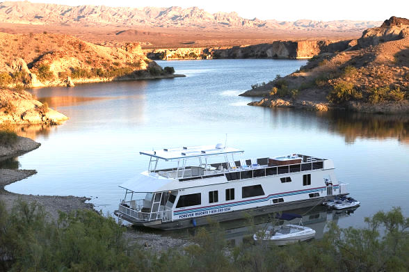 """Cottonwood Cove at Lake Mohave Offers """"1 Full Lake, 2 Much Fun!"""" Package Through Oct. 31, 2014"""