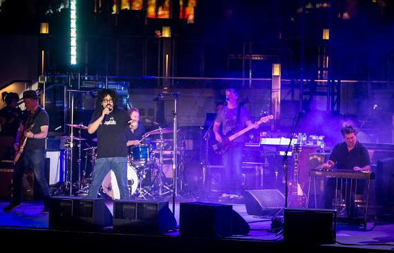 Counting Crows perform at Boulevard Pool at The Cosmopolitan of Las Vegas