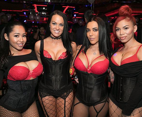 """Crazy Horse 3 to Bring Back """"Red, White and Boobs"""" Independence Day Party"""