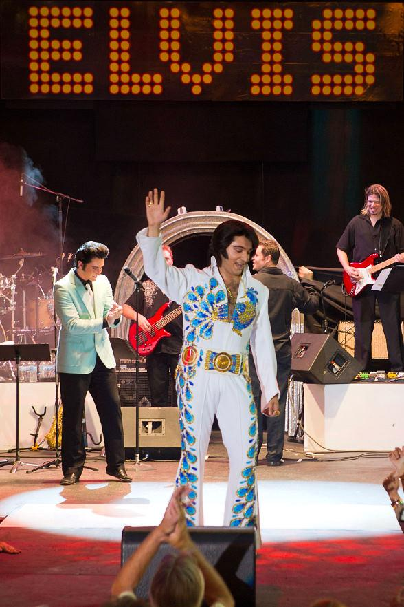 On Saturday, July 24, Justin Shandor from Las Vegas was named the Ultimate Elvis Tribute Artist at Fremont Street Experience in Las Vegas and now qualifies to compete in the 2010 Ultimate Elvis Tribute Artist Contest in Memphis, Tenn., during Elvis Week held Aug. 10-16.