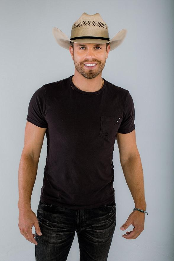 Platinum-Selling Country Music Star Dustin Lynch to Perform at the Rio Vista Amphitheater at Harrah's Laughlin March 30, 2019