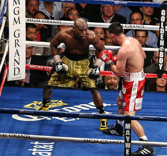 Floyd Mayweather Jr. Defeats Robert Guerrero by Unanimous Decision at MGM Grand Garden Arena