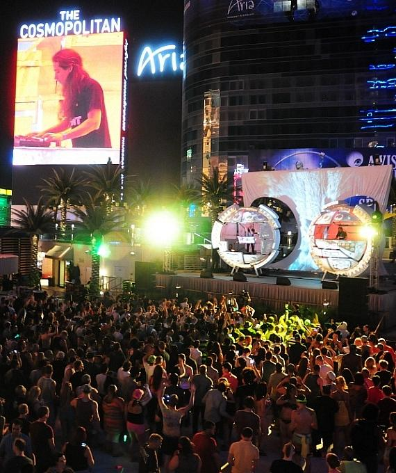 Infected Mushroom plays The Boulevard Pool at The Cosmopolitan of Las Vegas