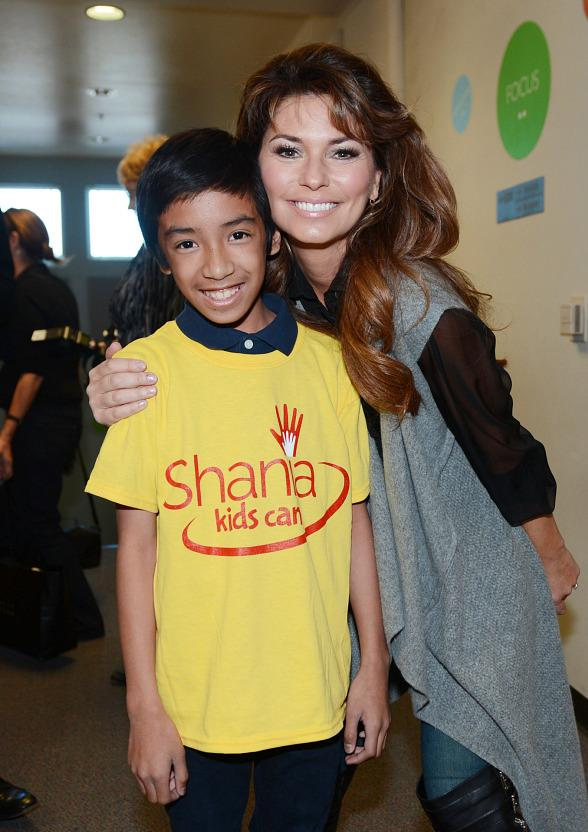 Shania Twain Launches First Las Vegas SKC Clubhouse of The Shania Kids Can Foundation at Tom Williams Elementary School