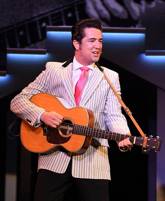 "Eddie Clendening as Elvis in ""Elvis Presley's Heartbreak Hotel in Concert"""