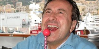 """Daniel Boulud with Sugar Factory's """"Berry Bling"""" Couture Pop"""