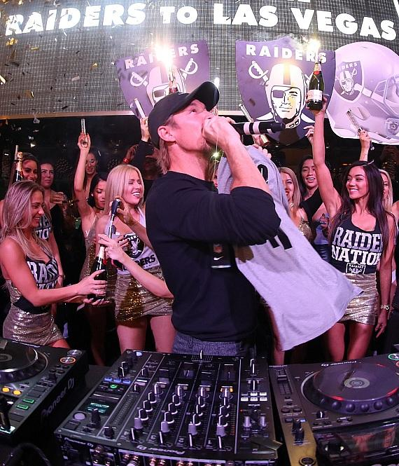 Raiders-Mania Hits XS Nightclub at Wynn Las Vegas