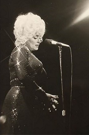 Celebrate 60 outstanding years of the Riviera Hotel & Casino: Dolly Parton