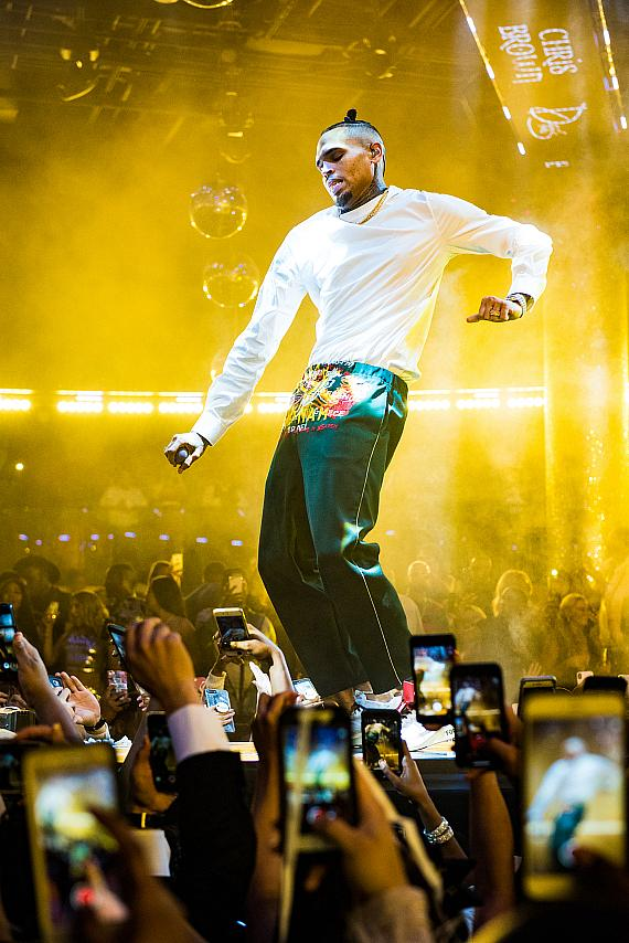 Chris Brown Chucks up the Deuces to 2017 and Leads Rooftop Blowout into the New Year at Drai's Nightclub Las Vegas
