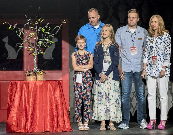 Driscoll family with Avery's Tree