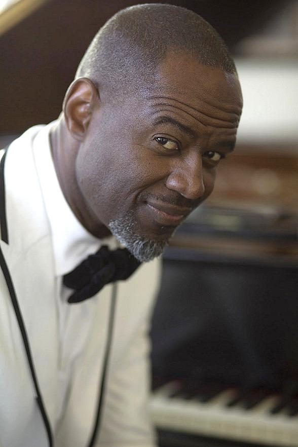 Brian McKnight to Perform at Star of the Desert Arena in Primm Sept. 23