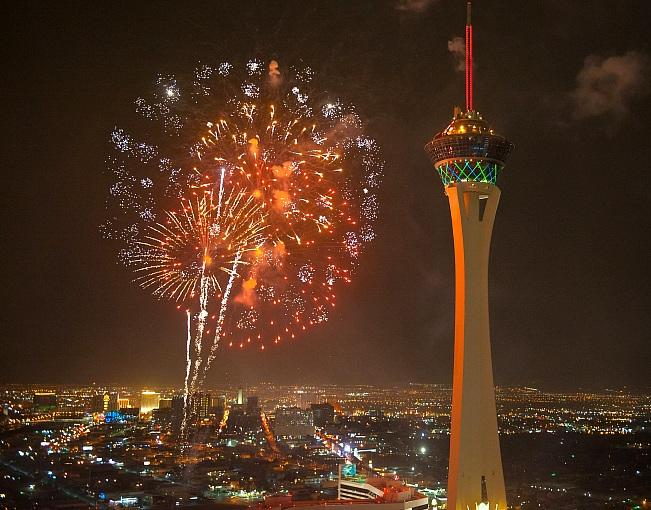 Fireworks-and-The-STRAT-by-Tom-Donoghue