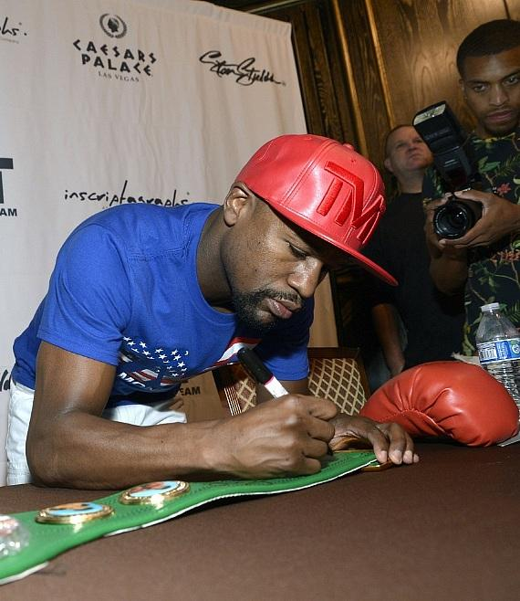 Inscriptagraphs Memorabilia at Caesars Palace to Host Floyd Mayweather Public Autograph Signing and Meet-And-Greet