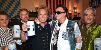 Siegfried & Roy and Ricardo Laguna Kick off 14th Annual Oktoberfest Celebration at Hofbräuhaus Las Vegas