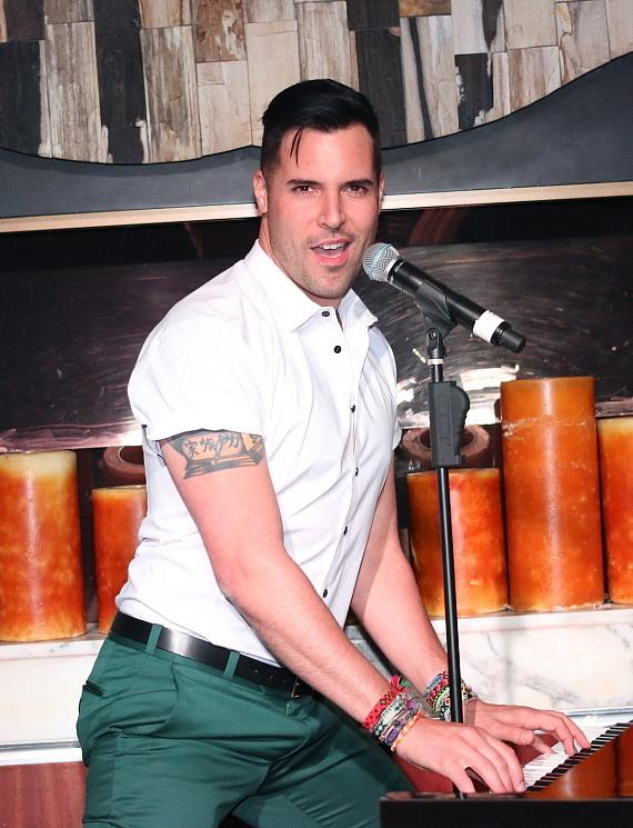 Frankie Moreno Performs at Girls Night Out