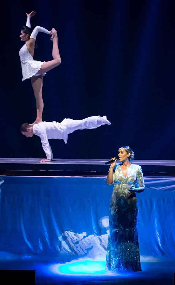 Photo Gallery: Cirque du Soleil Draws a Star-Studded Turnout in Las Vegas at Fourth Annual, One-Night Benefit featuring Leona Lewis