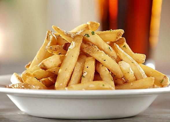 Gordon Biersch Dishes Out Free Orders of Garlic Fries to Celebrate National Garlic Day