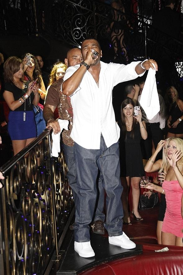 Ginuwine Closes Out Labor Day Weekend with Performance at LAX Nightclub