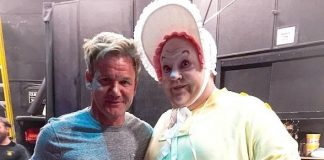Gordon Ramsay and Family attend Mystère by Cirque du Soleil