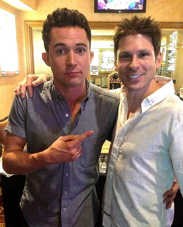 """Comedy Magician Mike Hammer Meets """"Cupcake Wars"""" Host Justin William at Suncoast Hotel & Casino"""