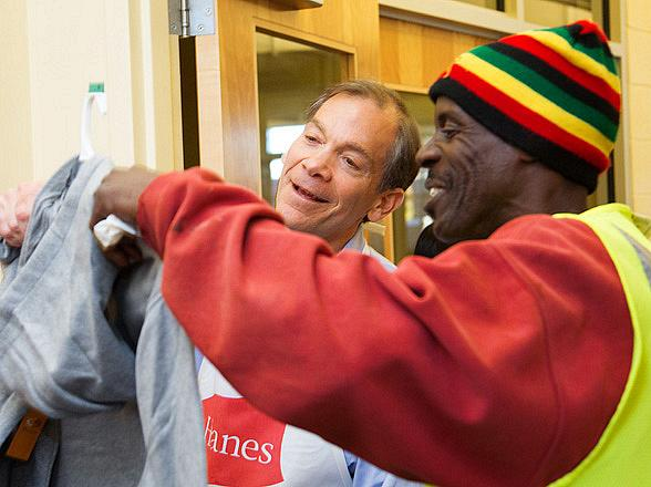 Hanes' National Sock Drive Marks Eighth Year, Celebrates #Givingtuesday by Donating 225,000 Pairs of Socks to Help the Homeless