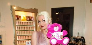 Holly Madison shops for sweets at Sugar Factory in Las Vegas