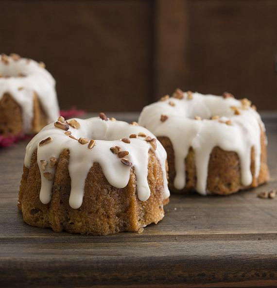 Hummning Bird Mini Bundt Cakes