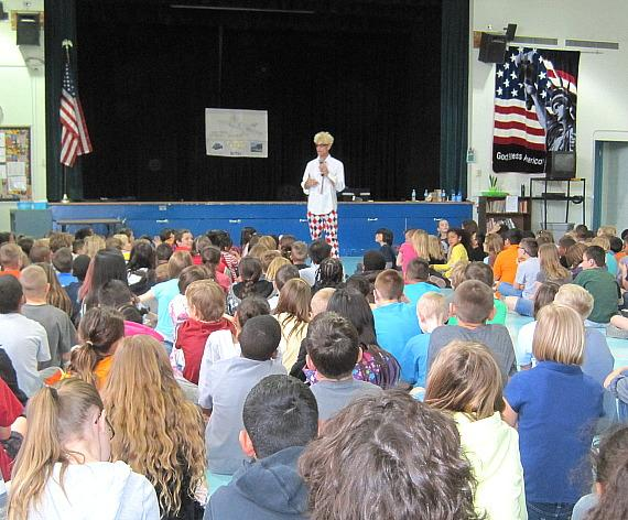 Murray speaks at Lomie G. Heard Elementary School Career Fair