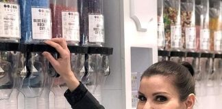 TV Personality Heather Dubrow Visits Sugar Factory American Brasserie in Las Vegas